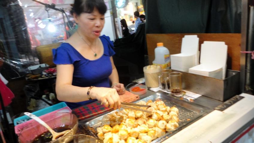 the small dumpling lady