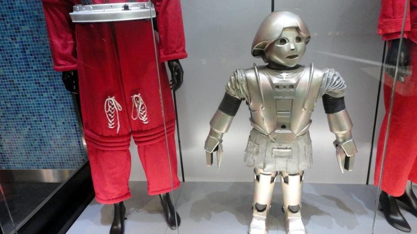 the original tweeky costume, cinerama