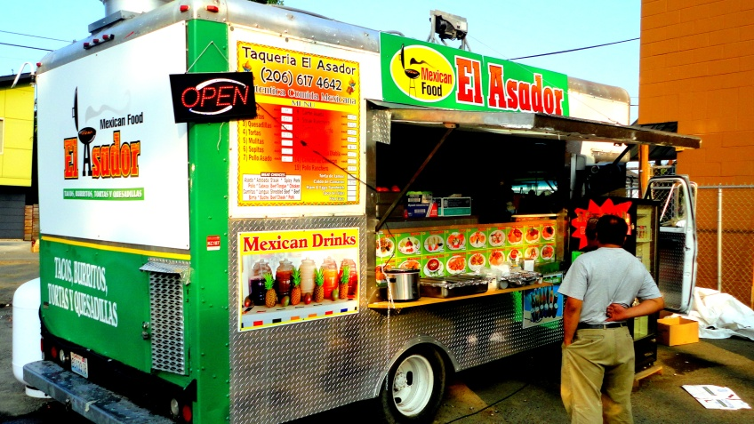 el asador, the new taco trailer in my neighborhood